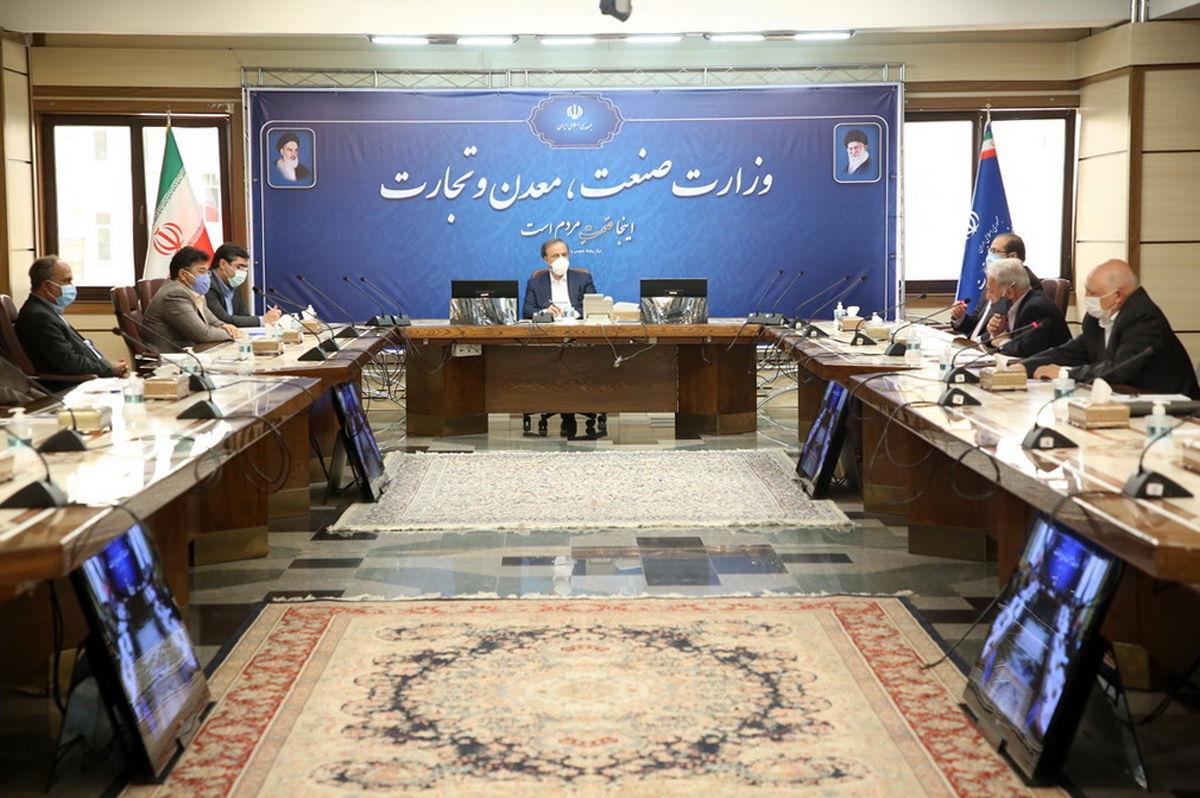وزیر صنعت بر حمایت ویژه از تولید صادرات محور، تاکید کرد