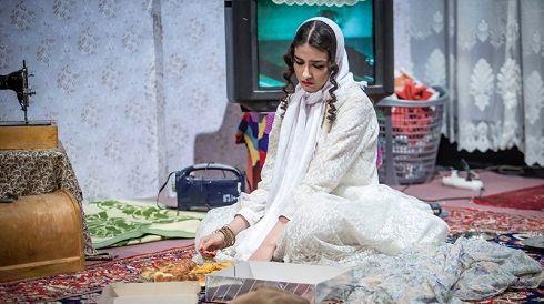 پردیس پورعابدینی در تئاتر نسیم ادبی