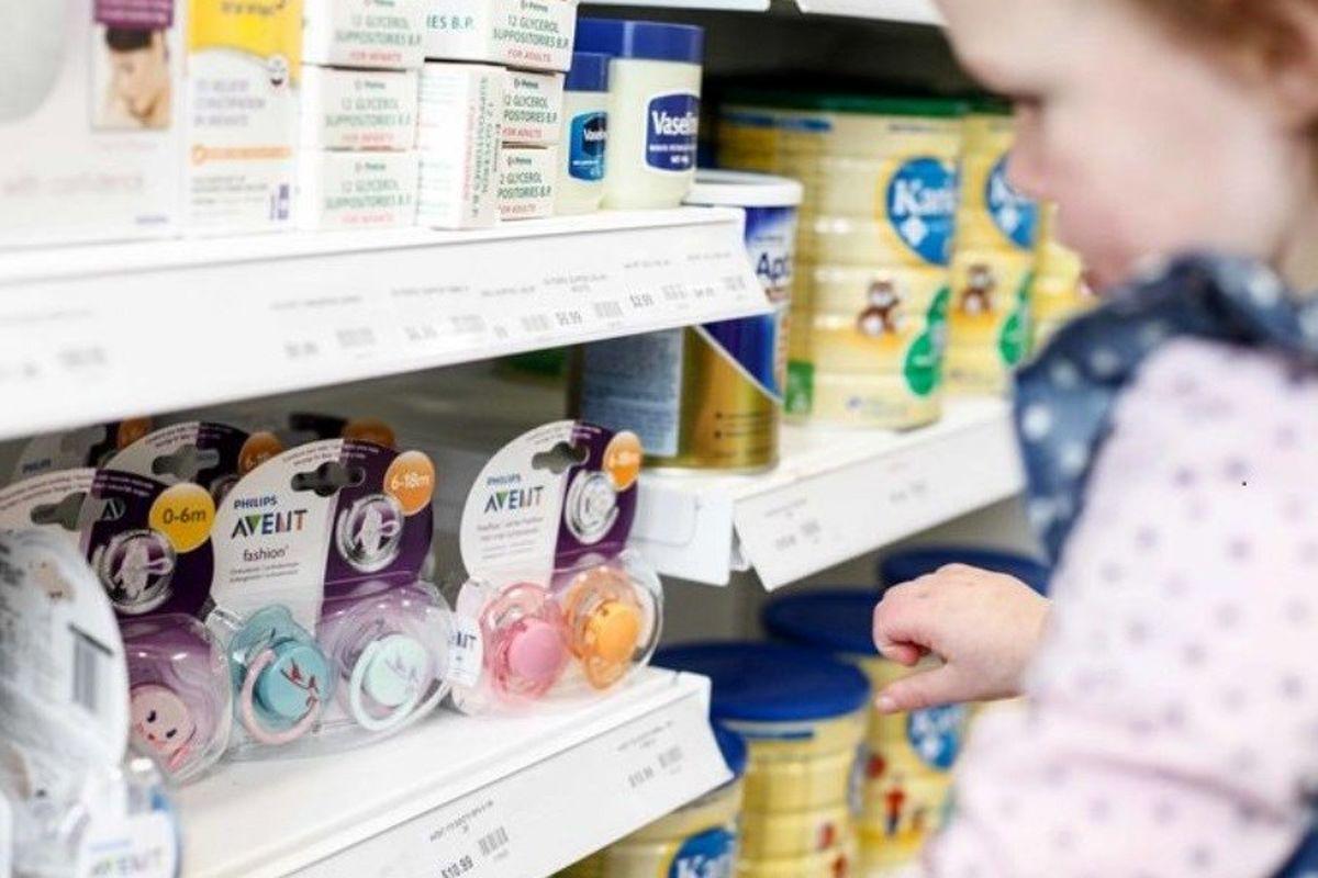 شیرخشک در ایستگاه گرانی/ خروج بی سر و صدای مولتی ویتامین کودکان از مراکز بهداشت