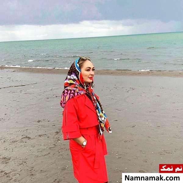 الهام حمیدی کنار ساحل دریا