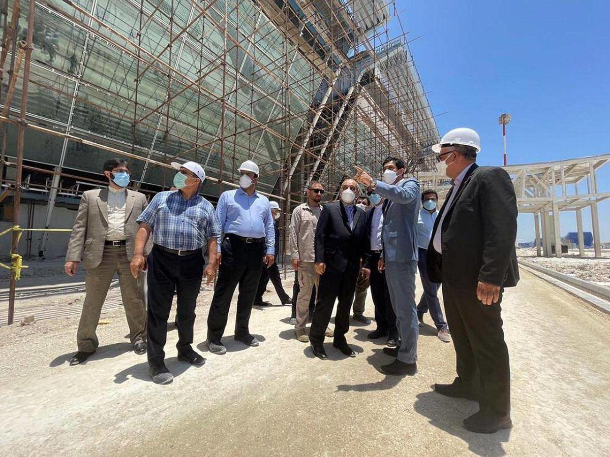 بازدید مشاور رئیس جمهور از روند ساخت پایانه جدید فرودگاه بین المللی کیش
