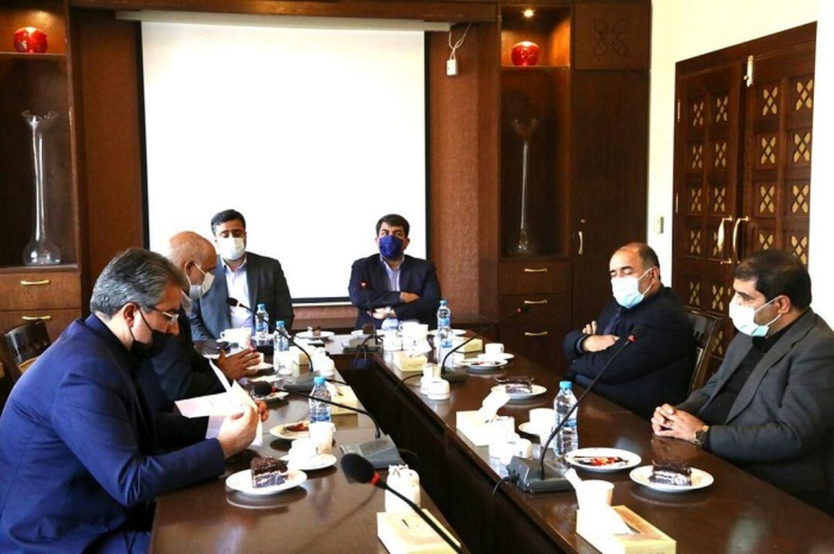 حمایت مسئولان از سرمایه گذاران عامل توسعه صنعت در یزد است
